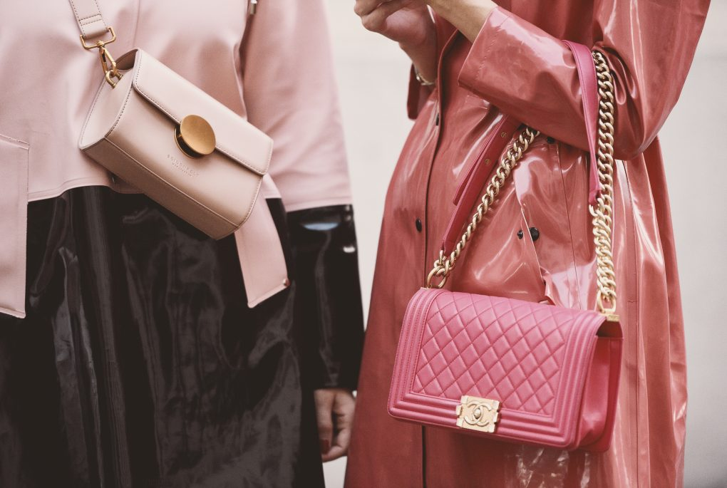 02242bb34d8f4f 5 Must Have Bags in 2019 – Modic Magazine