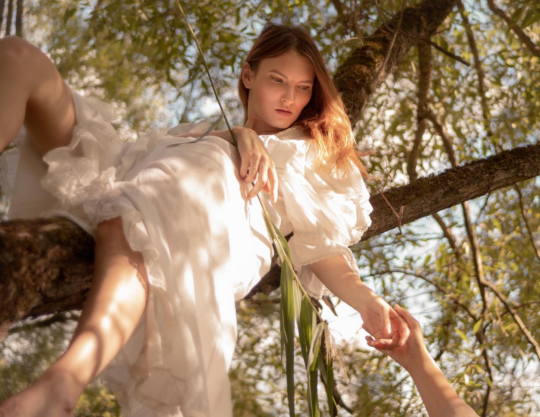 Modic Fashion Editorial - Cherry Red by Igor Verrazzano
