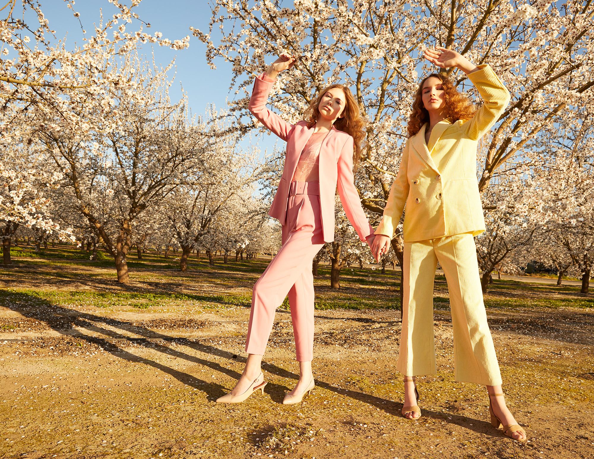 Modic Fashion Editorial - Blossom Sisters by Claudia Goetzelmann