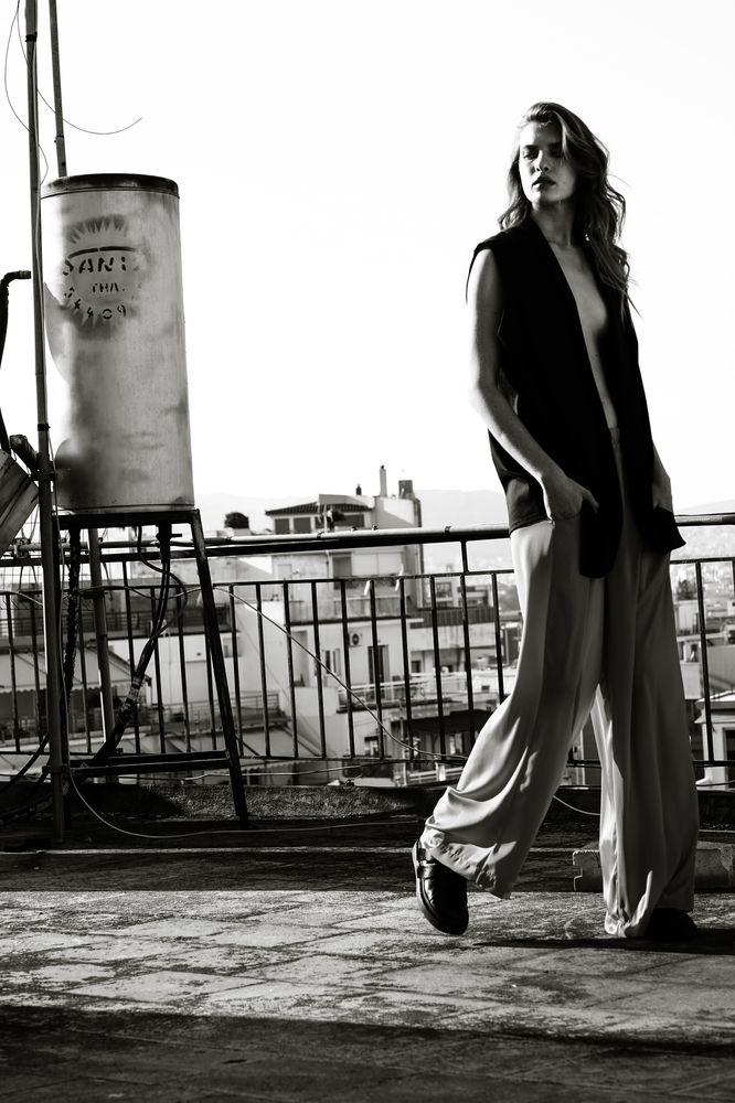 Modic Fashion Editorial - Nur by Vensi & Hara