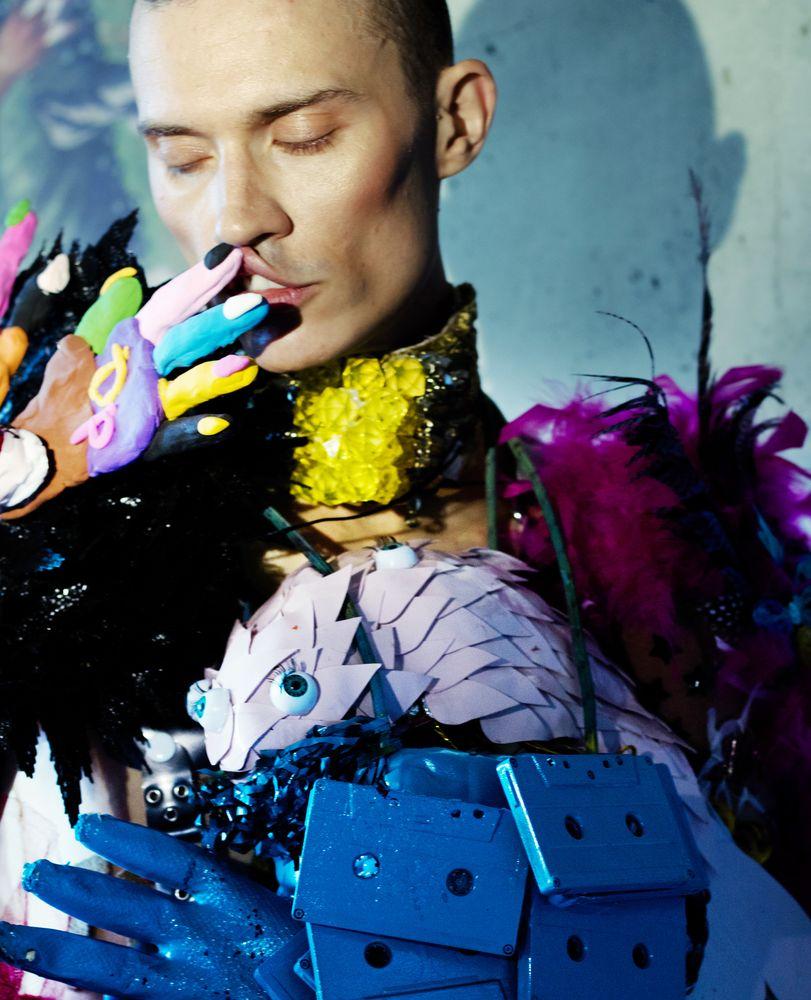Modic Fashion Editorial - UNIVERSE